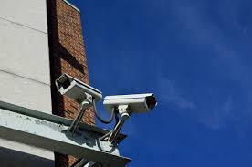 how do wireless security cameras work
